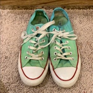 Tye dye custom converse in great condition!